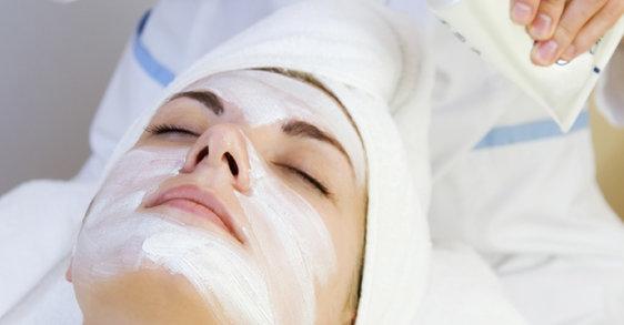 3 consejos para cuidar la piel sensible con una mascarilla facial