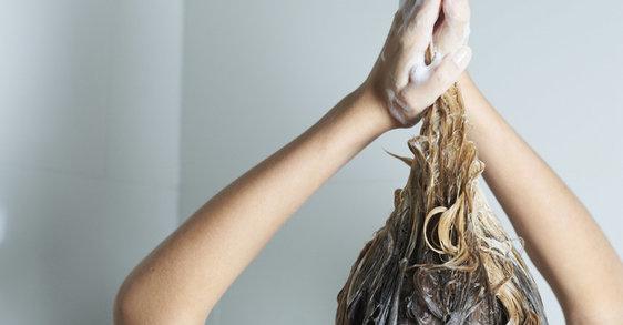 ¿Estás lavando bien tu cabello?
