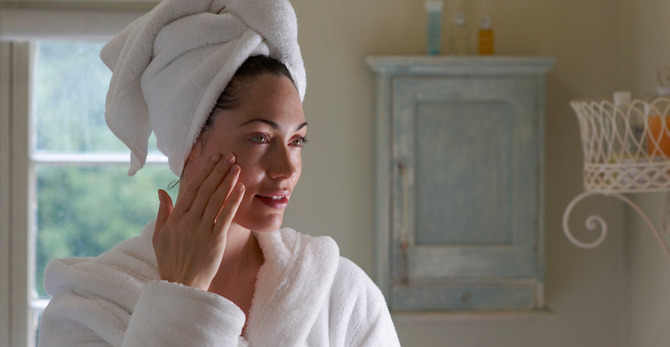 ¿Es la hidratación la nueva solución antiarrugas para la piel?