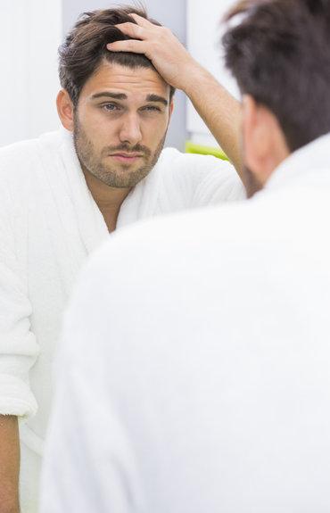 Hombres: 4 consejos para combatir la caída del cabello