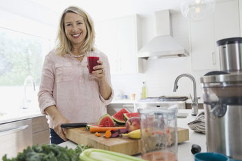 Menopausia: nutrientes amigables que pueden ayudarte a enfrentar los síntomas